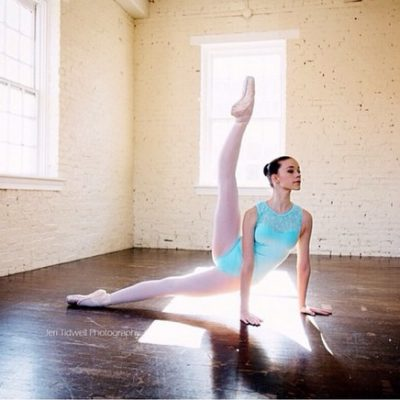 50+ Gorgeous Pose Ideas For Your Next Pointe Photo